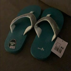 Sanuk flip flops comfort